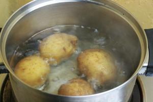 aardappels in schil koken