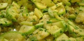 komkommer wordt gestoofd