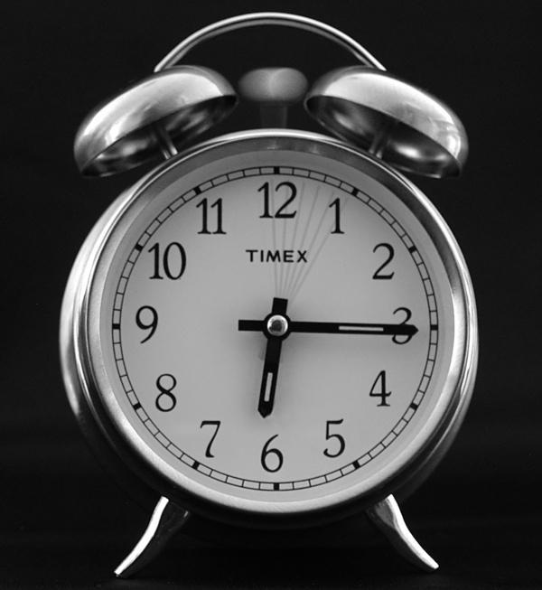 wekker kwart over zes