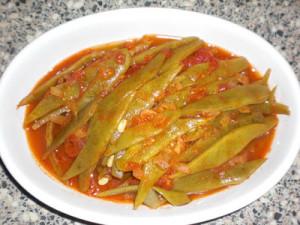 Snijbonen in dezelfde Turkse groentesaus