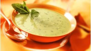 paardenbloem- en blad soep