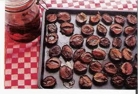 halve pruimen gedroogd in de oven