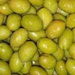 gepekelde bessen van gele kornoelje