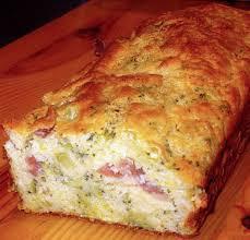 cake met ham , kaas en kruiden