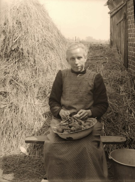 1925 aardappel schillen