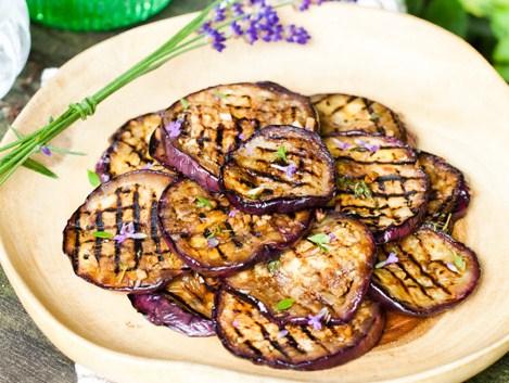 aubergine met lavendel