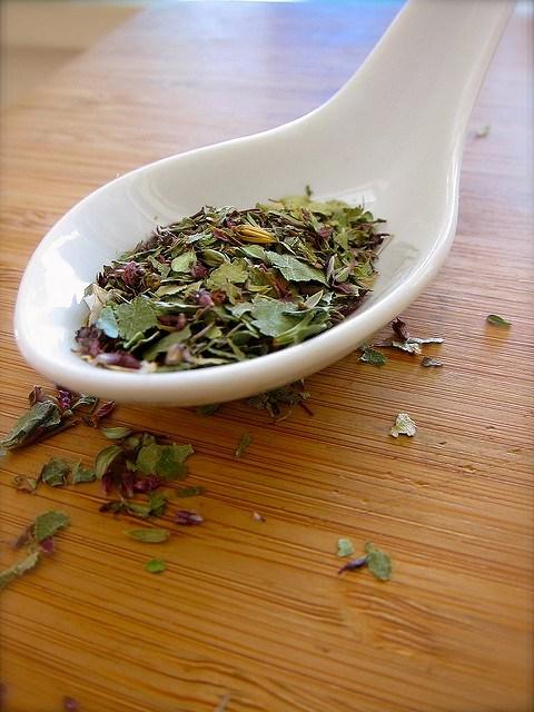 kruidenmengsel met gedroogd berkenblad