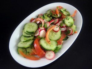 salade radijs, tomaat komkommer