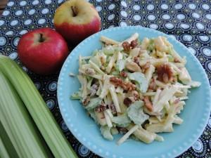 salade met bleekselderij appel en noten