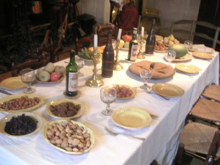 gedekte tafel na het eten