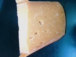 oude brokkel kaas